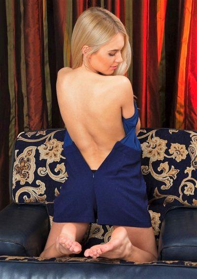 Симпатичная блондинка познакомиться для вирт секса, а так же для встреч в Ижевске